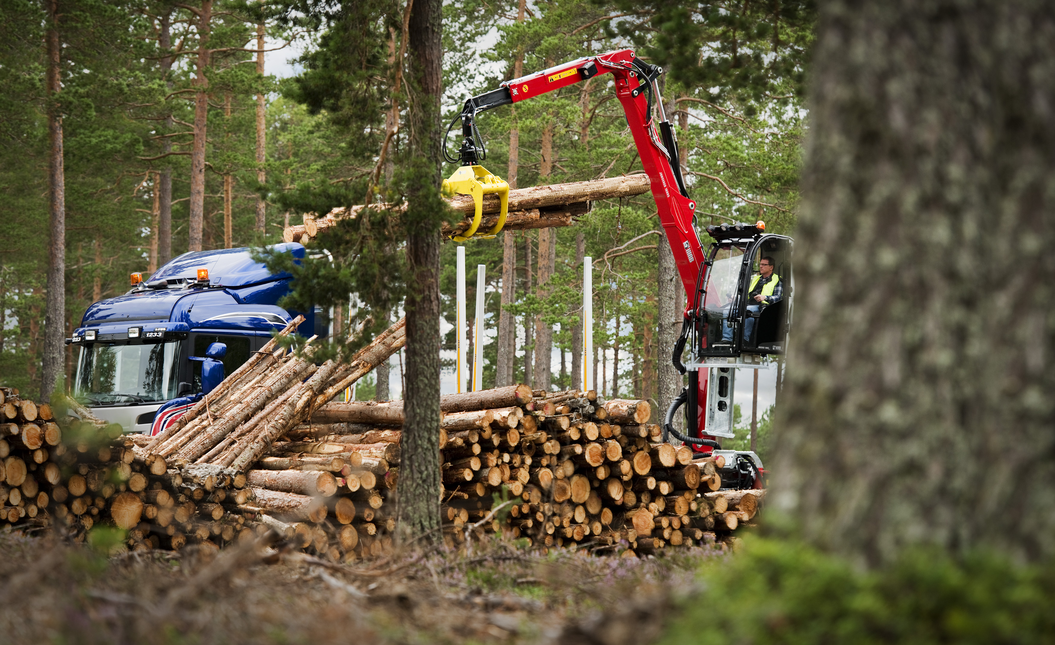 Hiab Jonsered 1080S with cabin C912
