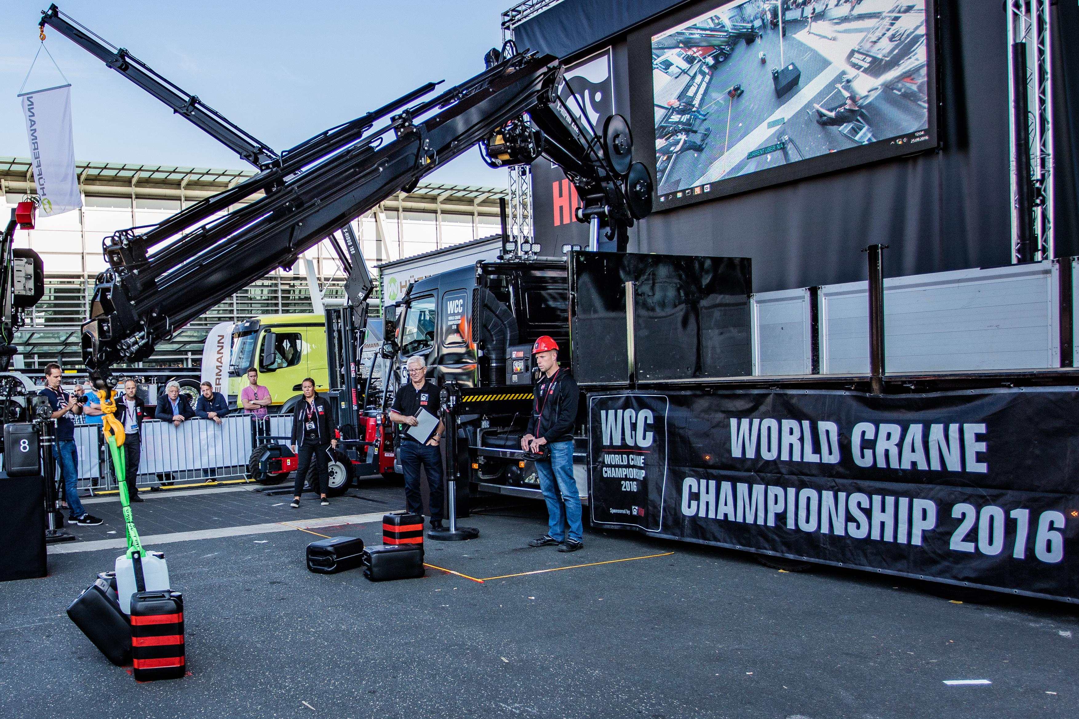 Tim Hansen at World Crane Championships at IAA 2016