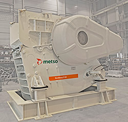 The clearly bigger cavity volume of the Nordberg C130 jaw novelty ensures constant, high crushing capacities.